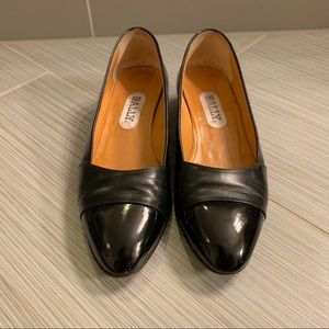 Bally Made in Italy leather 1in heels